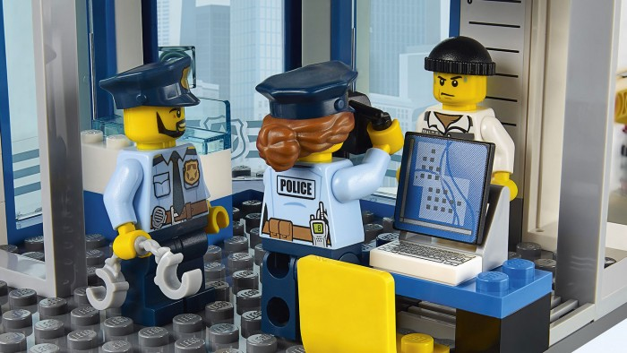 polizia lego scientifica